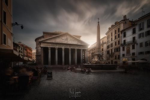 Panteon-de-Agripa-luz-Roma