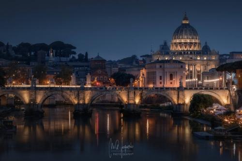 Vaticano-desde-puente-Umberto-noche-WEB