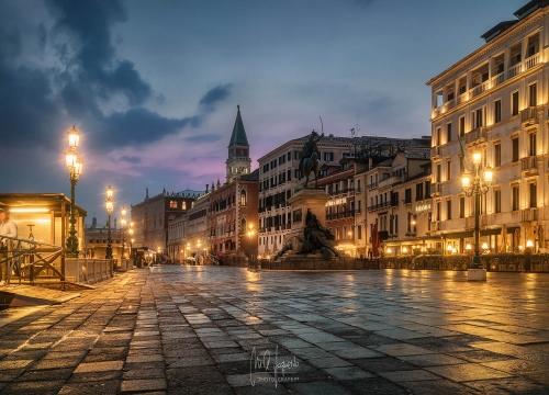 Venecia-noche-WEB